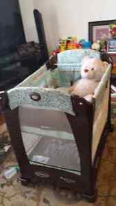 Graco traveling baby cribs Peterborough Peterborough Area image 1