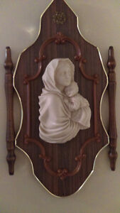 BEAUTUFUL WOOD and MARBLE wall hanging of MOTHER MARY and CHILD