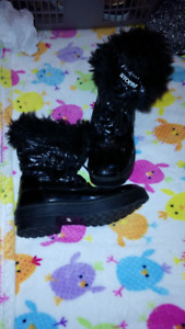 Girls Size 4M Cougar Storm Winter Boots