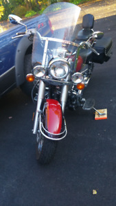 650 YAHAMA V-STAR IN GREAT CONDITION READY TO RIDE