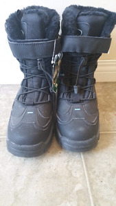 Brand new woman's size 10 boots for sale