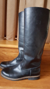 ROOT BOOTS Size 9.5