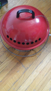 FREE TWO GAS CYLINDERS WITH PORTABLE BBQ OUTSIDE GRILL