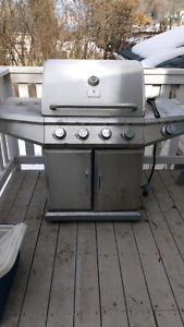 Large stainless propane bbq Needs cleaning 1st $100 takes
