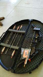 Compound Bow with Accessories Peterborough Peterborough Area image 1