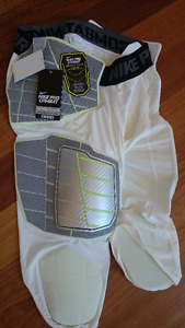NEW with TAGS NIKE Pro Combat FOOTBALL Tights 3/4 SIZE XL Shorts