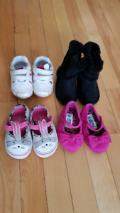 Baby girl shoe lot size 4