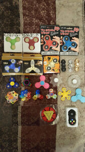 Lot of 23 various fidget spinners