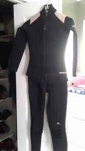 $12youth 8-10  two piece wetsuit- size 7 leather steel toed boot