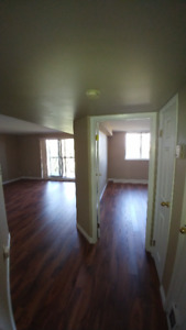 Apartment in Burlington -Upper Middle & Walkers Line