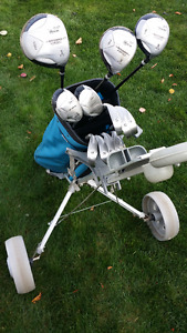 Ladies right hand golf club set with bag and pull cart