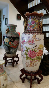 LARGE CHINESE POT FROM A HIGHEND ESTATE SALE BIRDS/FLOWERS