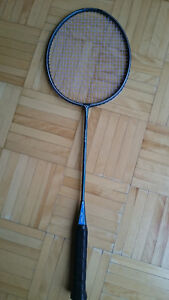 Raquette de badminton Yonex Carbonex 16 + cordage BG65