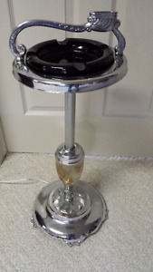 VINTAGE 1950'S STANDUP ASHTRAY