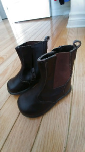 Baby fashion boots -size 5