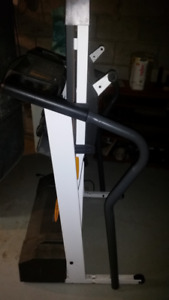 Spacesaver Treadmill with Pulse Analysis
