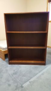 3 SHELF BOOKCASE WITH ADJUSTABLE SHELVES - Wood