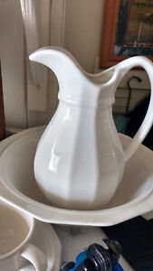 Vintage Style Water Pitcher with Wash Basin.