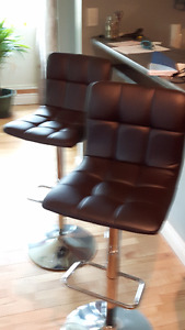 2 leather brown bar stools almost new - only 2 days left to sell