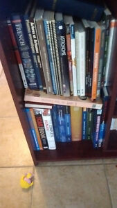 Livre divers 3 bibliothèque pleine