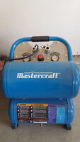 Mastercraft 5 Gallon Compressor like new with the pipe