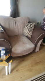 Single chair and puffet