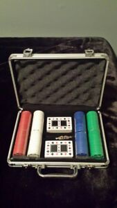 BRAND NEW - Poker chip set and carrying case