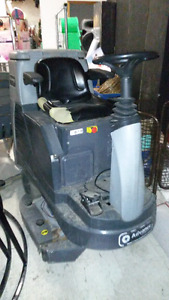 Used Commercial Ride on Floor Scrubber