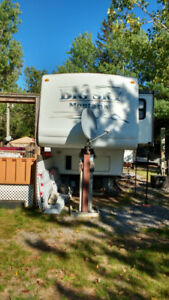 BIG SKY 5TH WHEEL TRAILER ON SEASONAL LOT IN BANCROFT