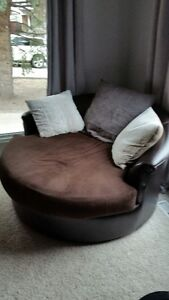 Nest Chair in Perfect Condition