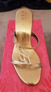 New gold color sandles size 5