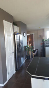 HOUSEMATE WANTED - Master bedroom in Evergreen
