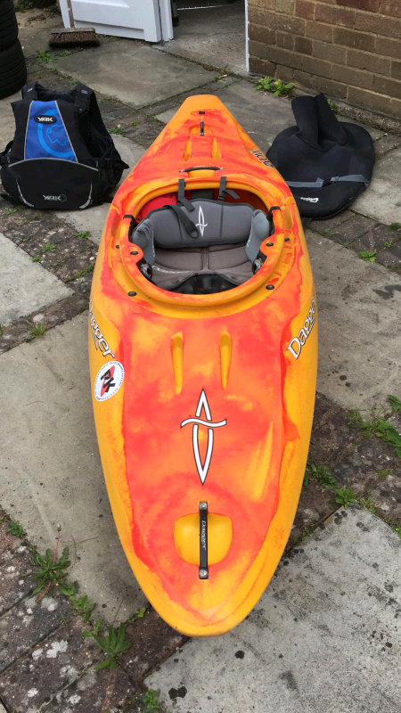 Dagger Axiom 8 0 whitewater kayak and Werner paddle | in Southampton,  Hampshire | Gumtree