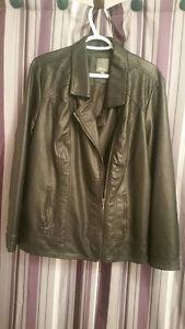 Manteau pour femme en cuirette