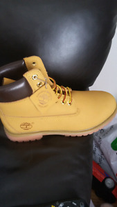 (bottes) Souliers Timberland