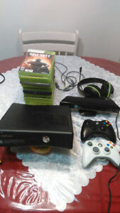 Xbox 360 avec manettes, micro turtle beach, 15 jeux, kinect