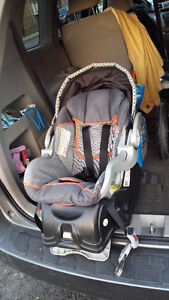 Good car seat Baby Trend. Exp. date: 2017 Gatineau Ottawa / Gatineau Area image 1