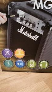 Marshall MG10CF amp