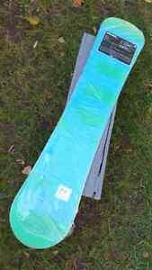 Women's / Girls Nikita Snowboard 142 cm London Ontario image 2