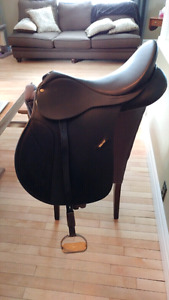 """Practically new 16"""" Wintec 250 all purpose + Misc tack items"""