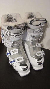 Salomon ski boots Girls size 25.5 Youth - used 5 times West Island Greater Montréal image 2