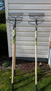 6 BRAND NEW AMES GRAVEL RAKES