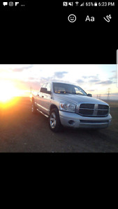4x4 2008 fully loaded dodge 1500 with leather sunroof more!