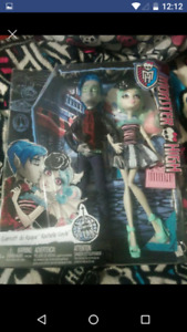 Bnib love in scaris monster high dolls  $40 firm