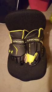 Under armour goalie gloves