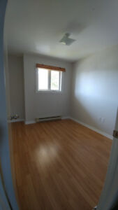 3 Rooms, 1 Person, Great Space, $800.00 monthly all inclusive