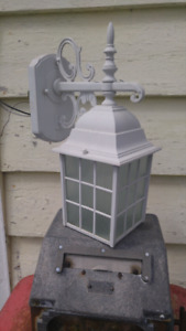 Outdoors light fixture