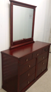 Real wood dresser with mirror ( delivery included )
