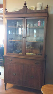 Display cabinets, table & Chairs