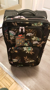 Dakine Suitcase Luggage Never used. Brand New